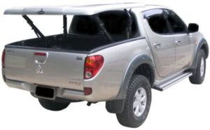Все электрооборудование, которым оснащен это автомобиль, делится на бортовое и электрооборудование двигателя.