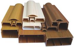 Они предназначены для прокладки электрических кабелей и проводов на поверхность стен, пола или потолка.